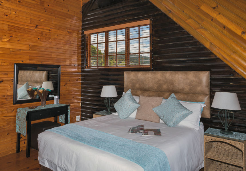 ... Big Tree House Bedroom ...