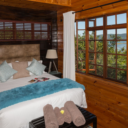 The Big Tree House Lodge - Self Catering Lagoon Cottage Accommodation